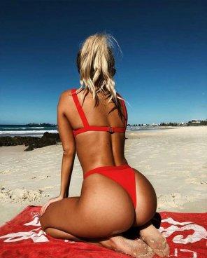 amateur photo Blonde beach babe