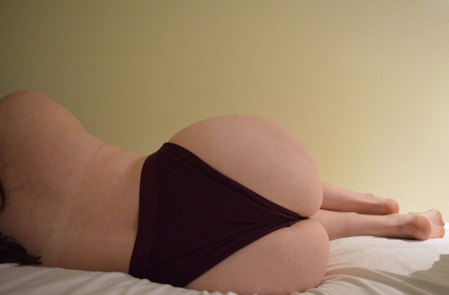 My ass just keep getting bigger [f] Porn Photo