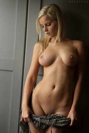 amateur photo Busty Blonde