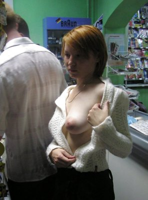 amateur photo PictureFlashing in a store