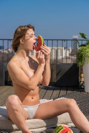 amateur photo Yelena having a watermelon. [MIC]