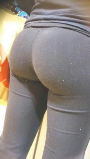 amateur photo I love leggings