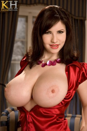 amateur photo Karina Hart looking regal in red