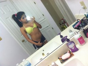 amateur photo latina selfie before school