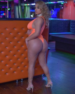 amateur photo Stephanie Lopez in orange