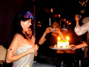 amateur photo Katy Perry Flashing Her Birthday Cake