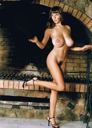 amateur photo Oldschool beauty by oven