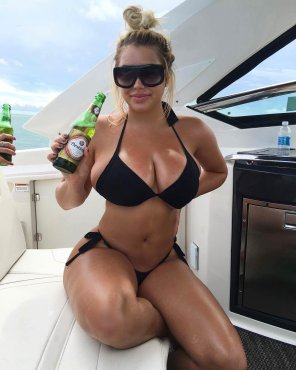 amateur photo Boat, beer, and boobs