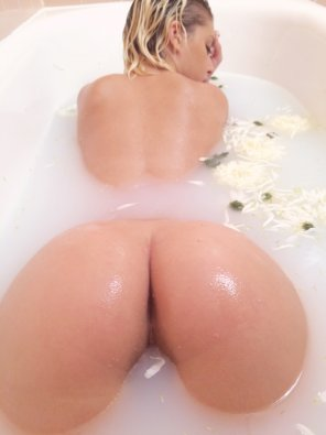 amateur photo White bath