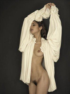amateur photo Skins vs blouses