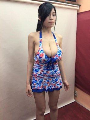 amateur photo Flowery dress