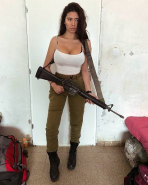 amateur photo Army girl