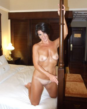 amateur photo Tanlined Milf