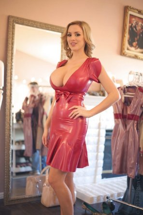 amateur photo Jordan Carver in Red Latex Dress