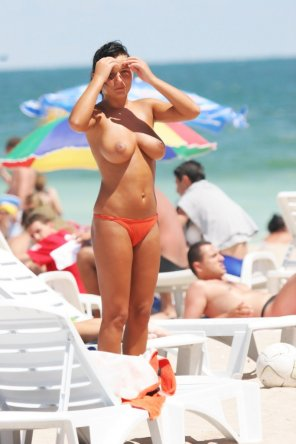 amateur photo Beautiful and tan