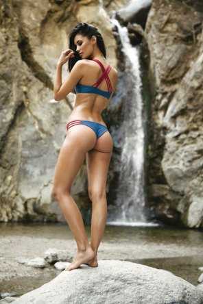 amateur photo Red and blue bikini