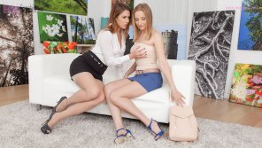 amateur photo When Ani and Kiki visited a private gallery�