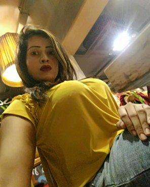 amateur photo Under the Table