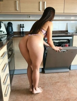 amateur photo Doing the dishes