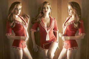 amateur photo Original Red Hot. Isla Fisher RHM!