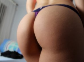 amateur photo VS purple thong makes my booty look big o.o