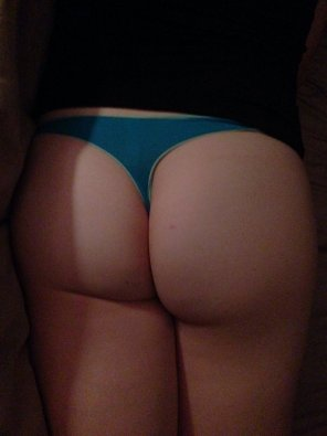 amateur photo Mrs. Relaxo in a blue thong.