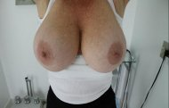 amateur photo Big Freckled Tits