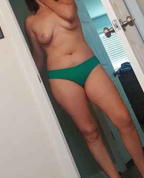 amateur photo here i cum :)