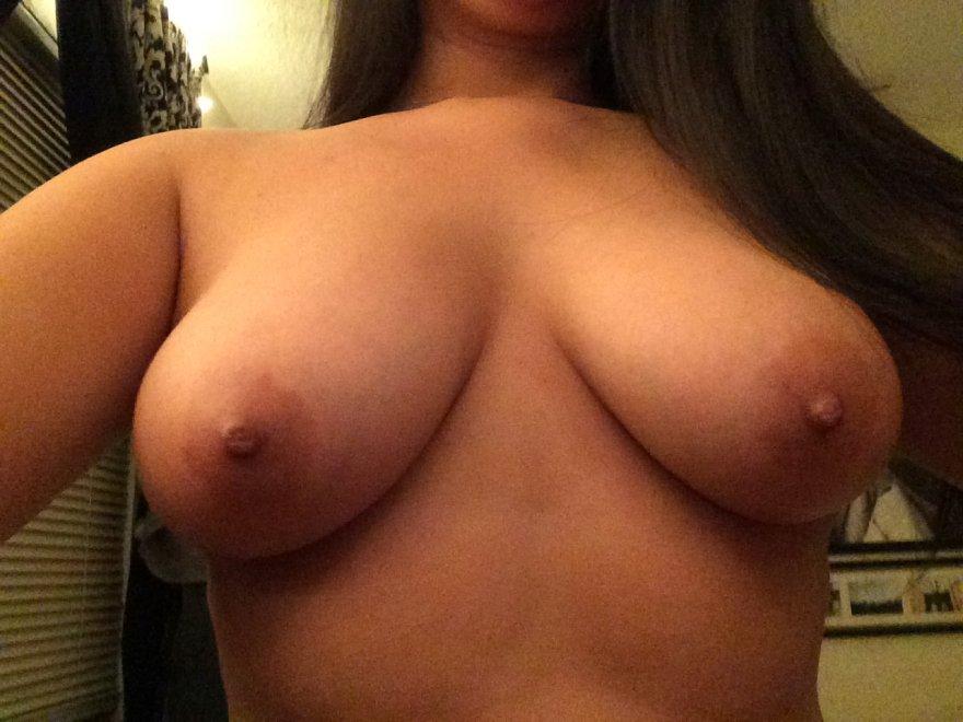 Nice busty Porn Photo