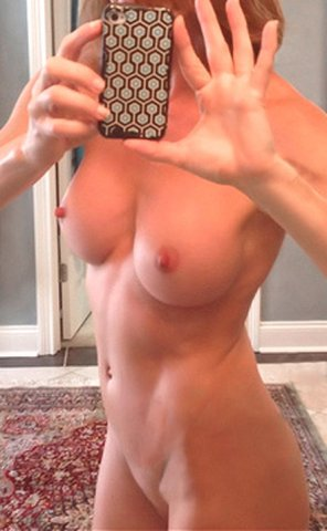 amateur photo Perfect nips!