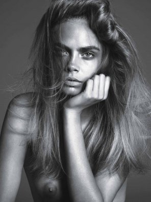 amateur photo Cara Delevingne in W Magazine