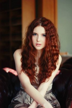 amateur photo Love her wavy red hair