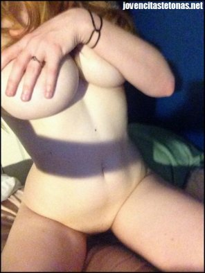 amateur photo covering & squeezing