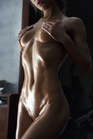 amateur photo All oiled up