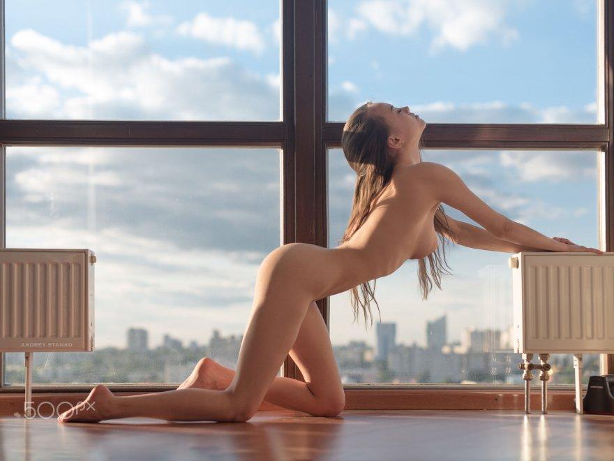 Professional pose Porn Photo