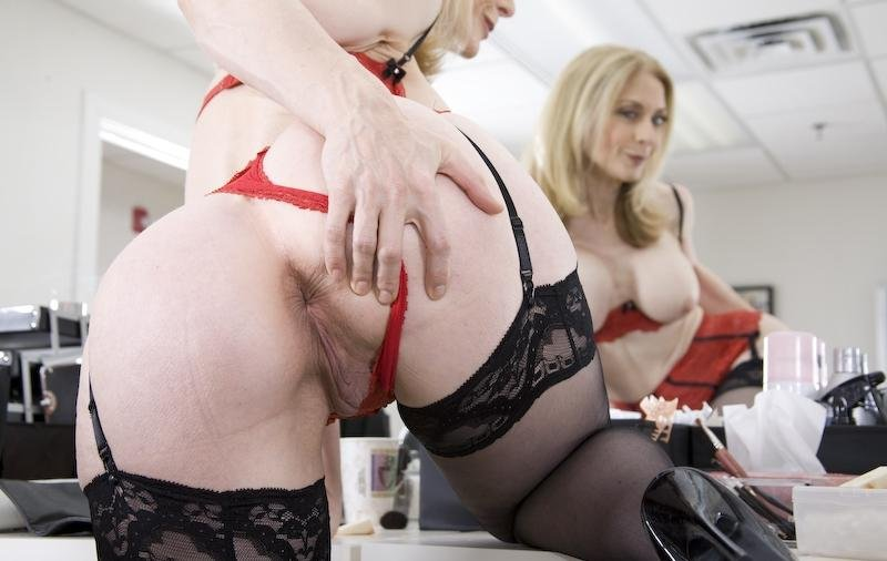 nina hartley bukkake