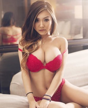 amateur photo Vicki Li