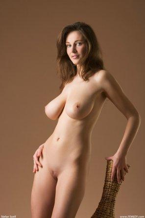 amateur photo Smooth brunette