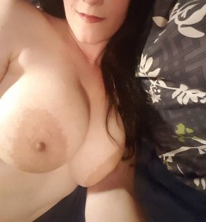 amateur photo IMAGEDark lips and dark nips! [Image]