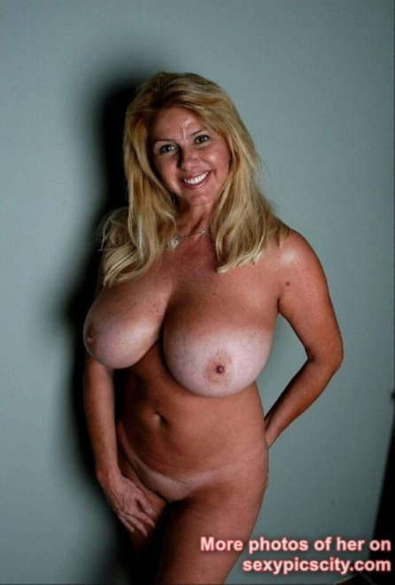 Milf Nevaeh Huge Breasts Porn Photo
