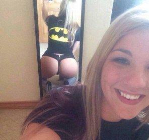 amateur photo Bat-Girl Booty