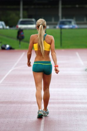 amateur photo Australian steeplechaser Genevieve LaCaze