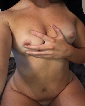 amateur photo good morning reddit :) i love looking at titties