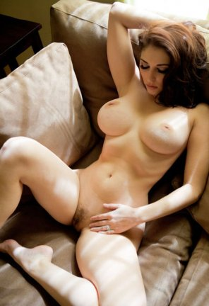 amateur photo Hourglass figure on couch