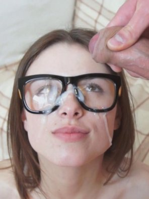 amateur photo Adoring Eyes, Sticky Glasses
