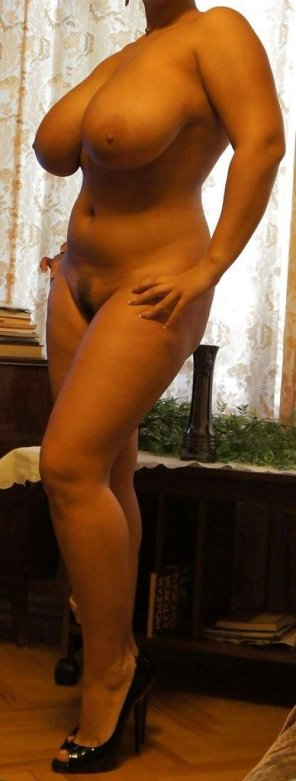 amateur photo Curvy Milf
