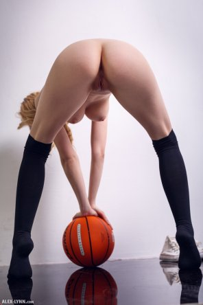 amateur photo Sexy Aislin 🏀