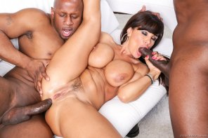 amateur photo Milf Lisa Ann goes black