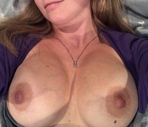 amateur photo My wife showing off her big tits again [image]