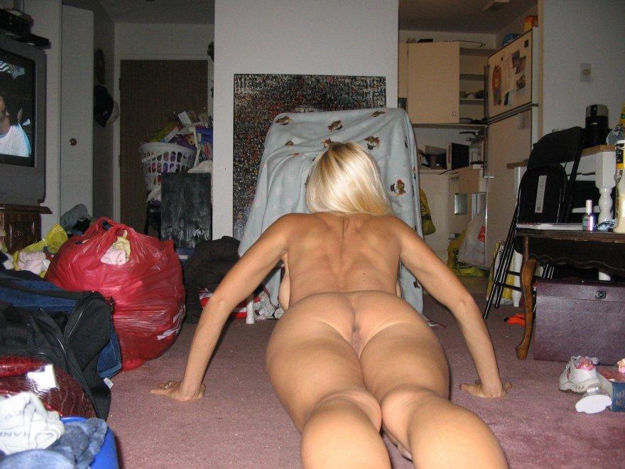 5 pushups Porn Photo
